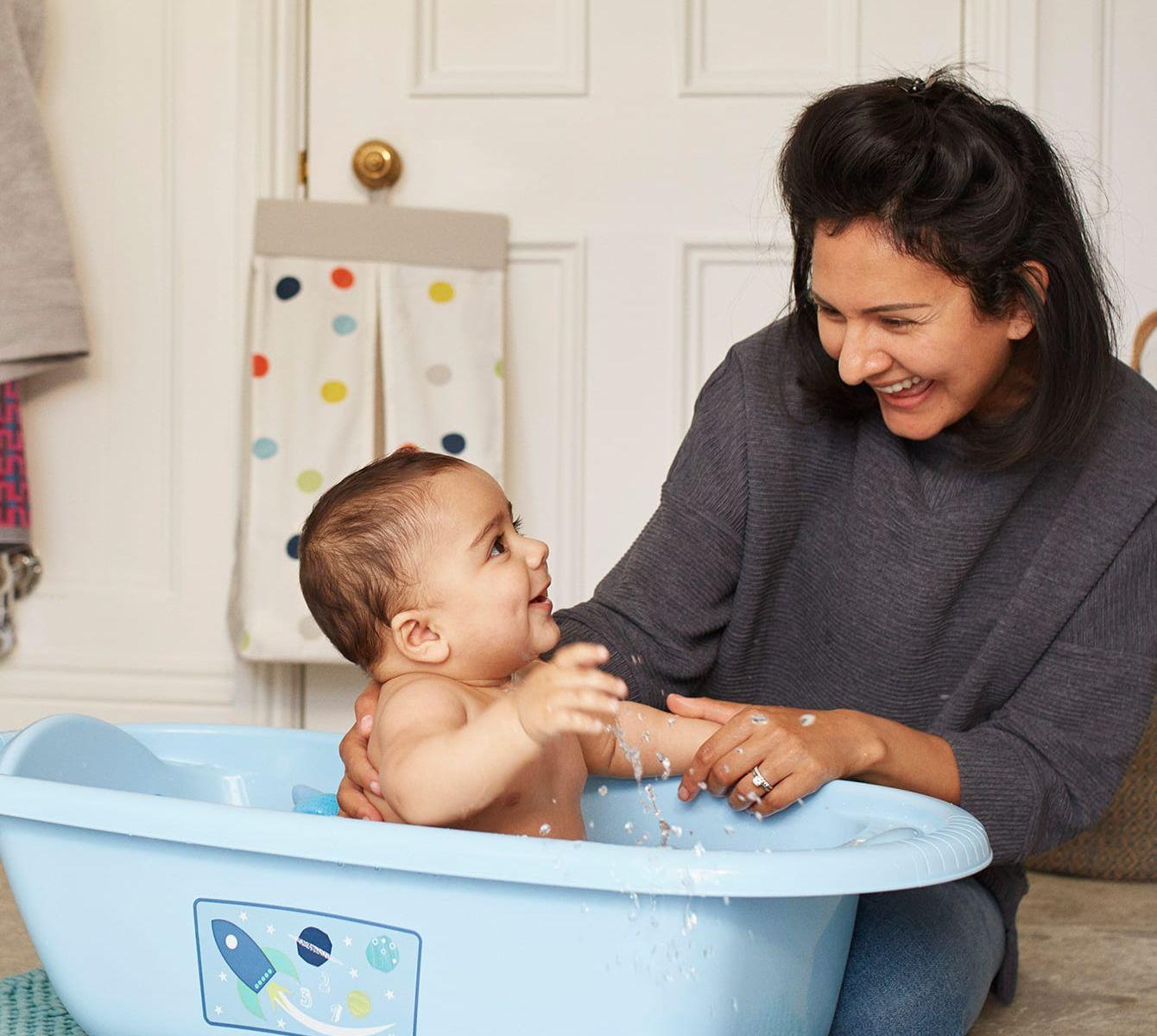 Tất tần tật 6 bước tắm cho trẻ sơ sinh đúng cách nhất
