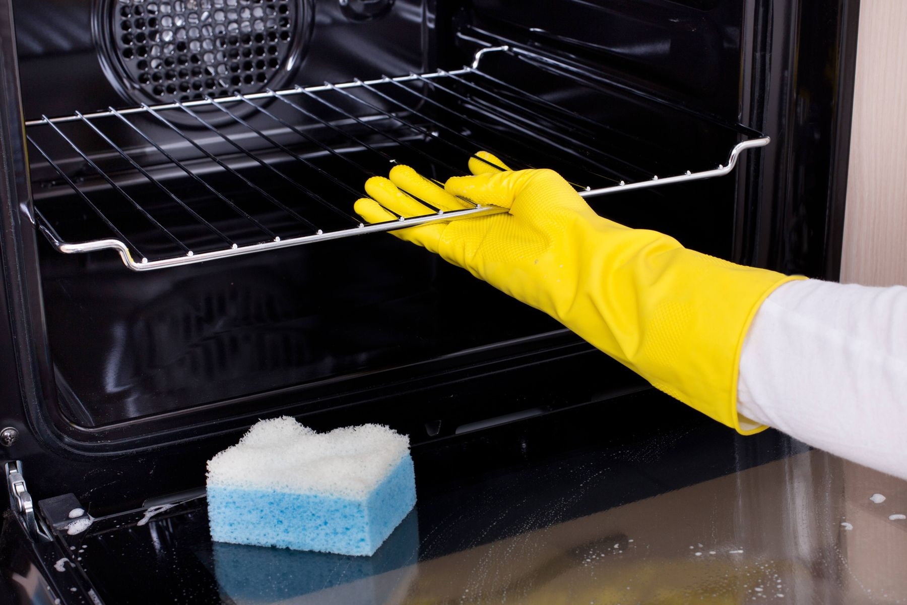 Ovens Cleaning Tips and Tricks