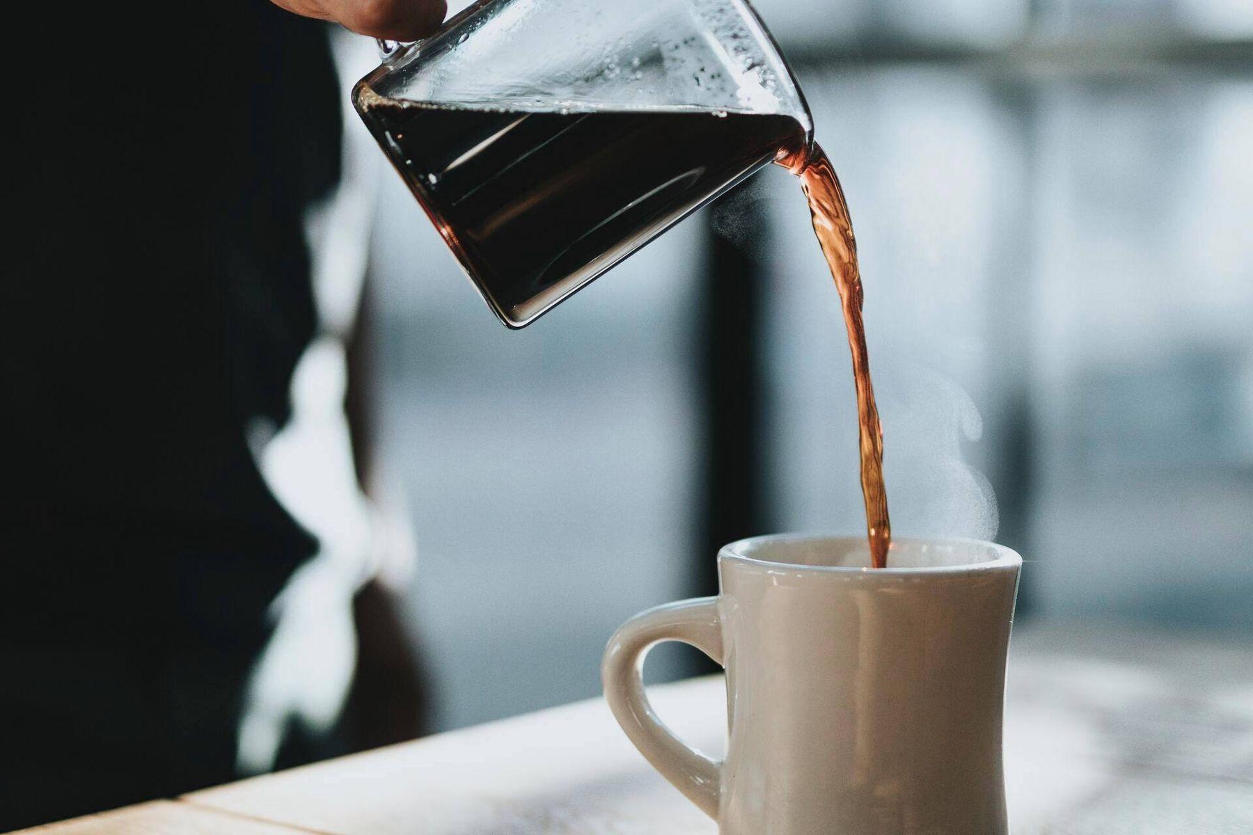 Kaffeflecken von der Wand entfernen