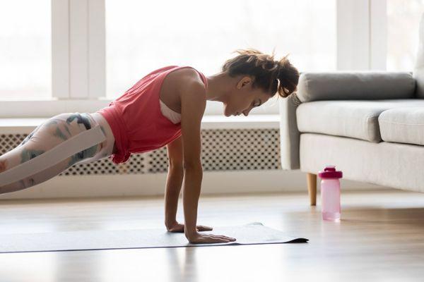 Mách bạn 5 cách giặt trang phục tập yoga sạch sẽ, thơm tho