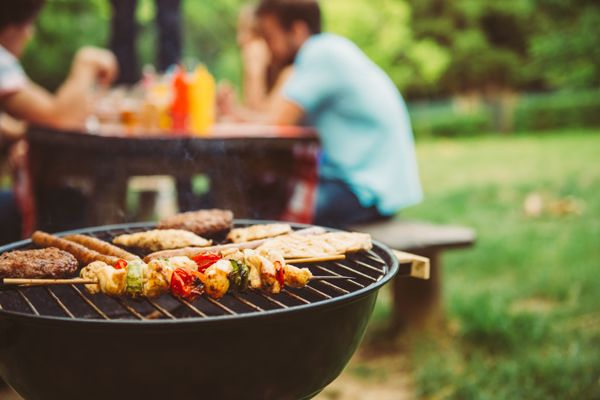 How to Clean Your Gas Barbeque Correctly shutterstock 451311433