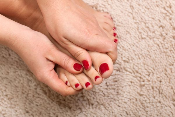 How to Remove Nail Polish Stains from Carpet | Cleanipedia