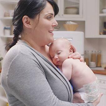Mùa nào bé thường dễ bị hăm và mẹ cần xử lý thế nào?