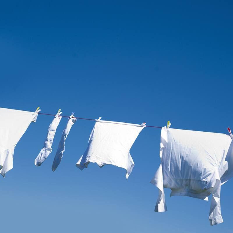 Mẹo nhỏ giúp tẩy trắng quần áo tại nhà mẹ nào cũng nên biết
