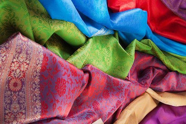 pañuelos de colores de seda