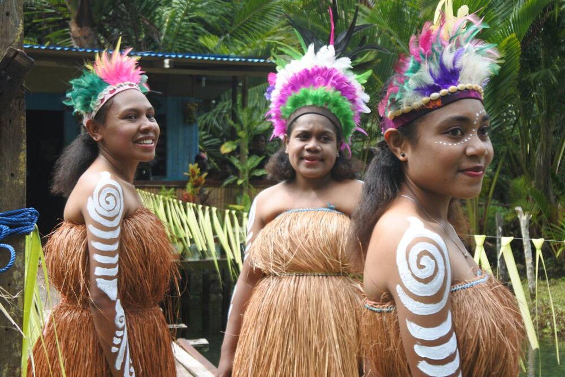 Mengenal Pakaian Adat Papua yang Tak Hanya Koteka