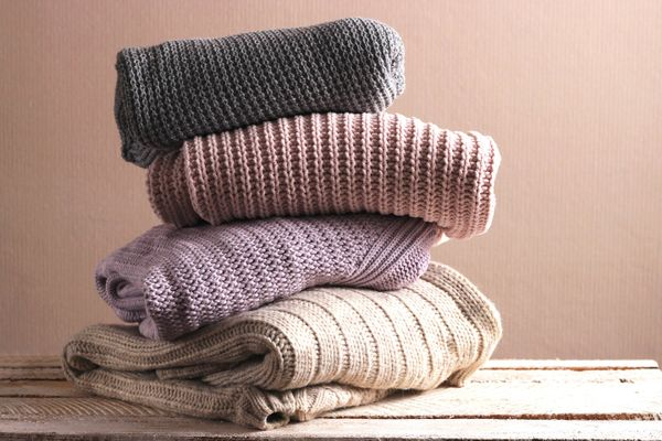 How to Wash and Remove Stains From Your Woollen Sweater Without Shrinking It