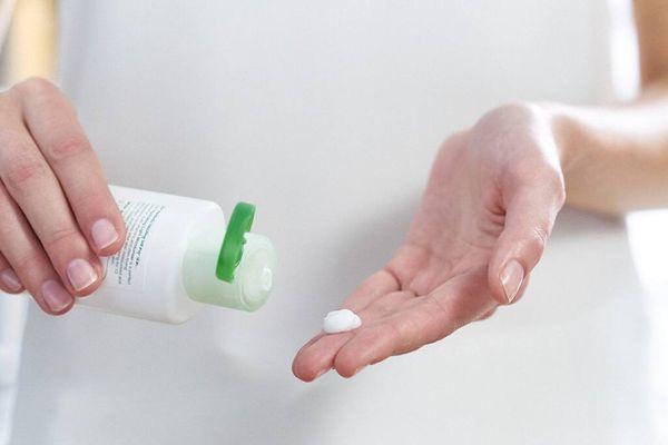 Tại sao da tay bị khô và cách chữa trị từ nguyên liệu thiên nhiên