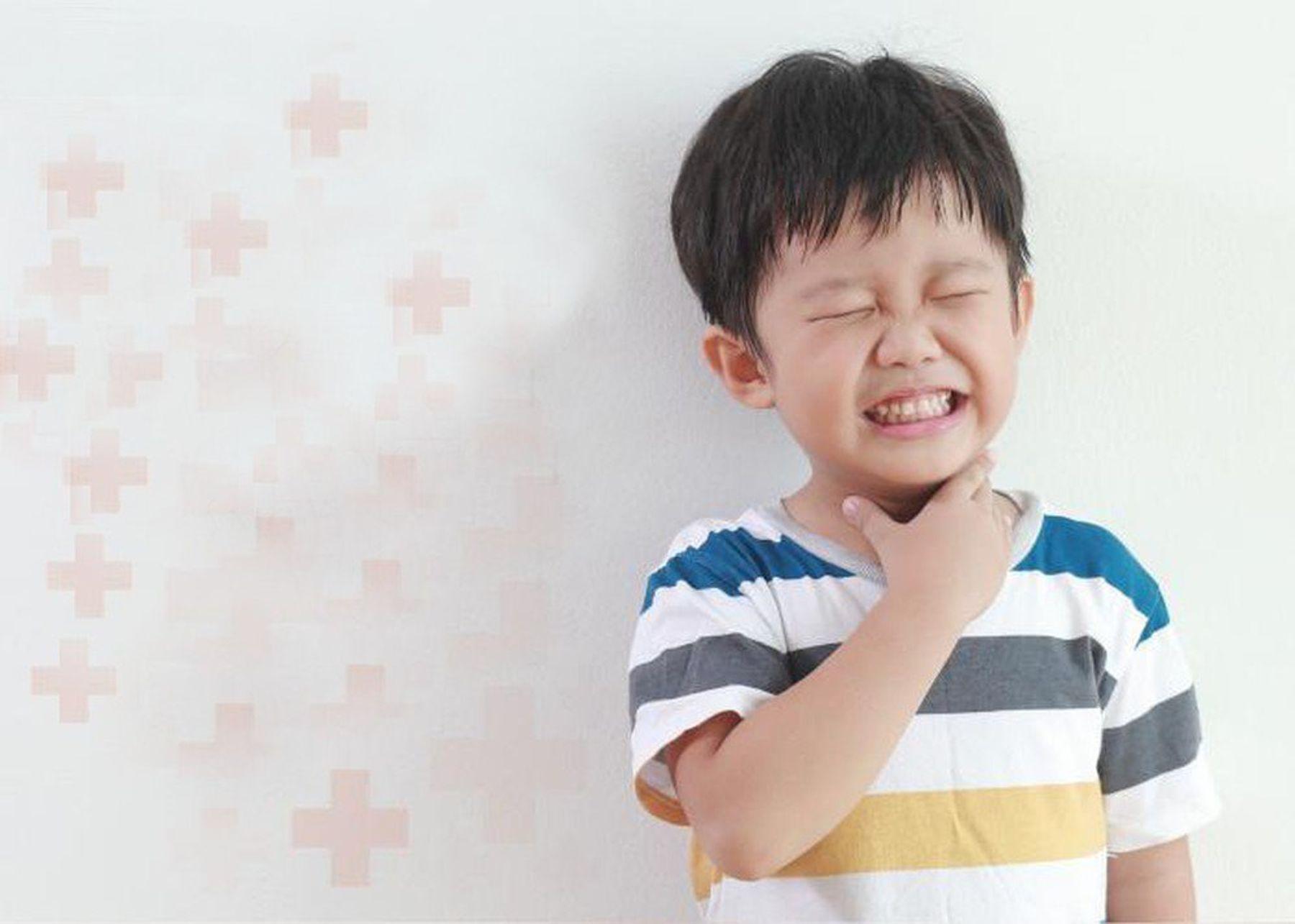 Nguyên nhân khiến trẻ bị viêm họng