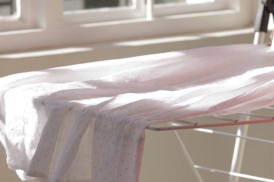 Bỏ túi 3 cách sau đây khi tẩy áo dài trắng bị dính màu