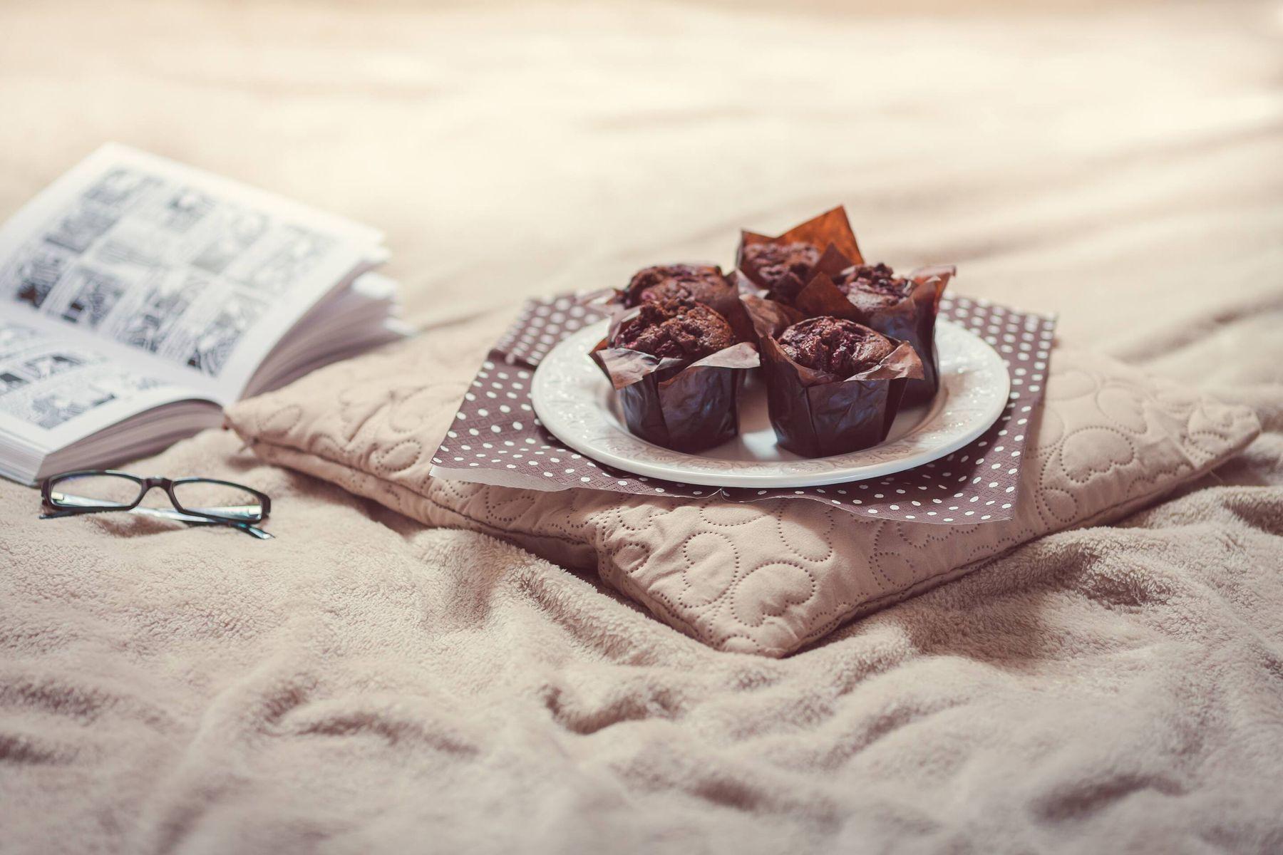 Giysi ve Kumaşlardan Çikolata Lekesi Nasıl Çıkar?