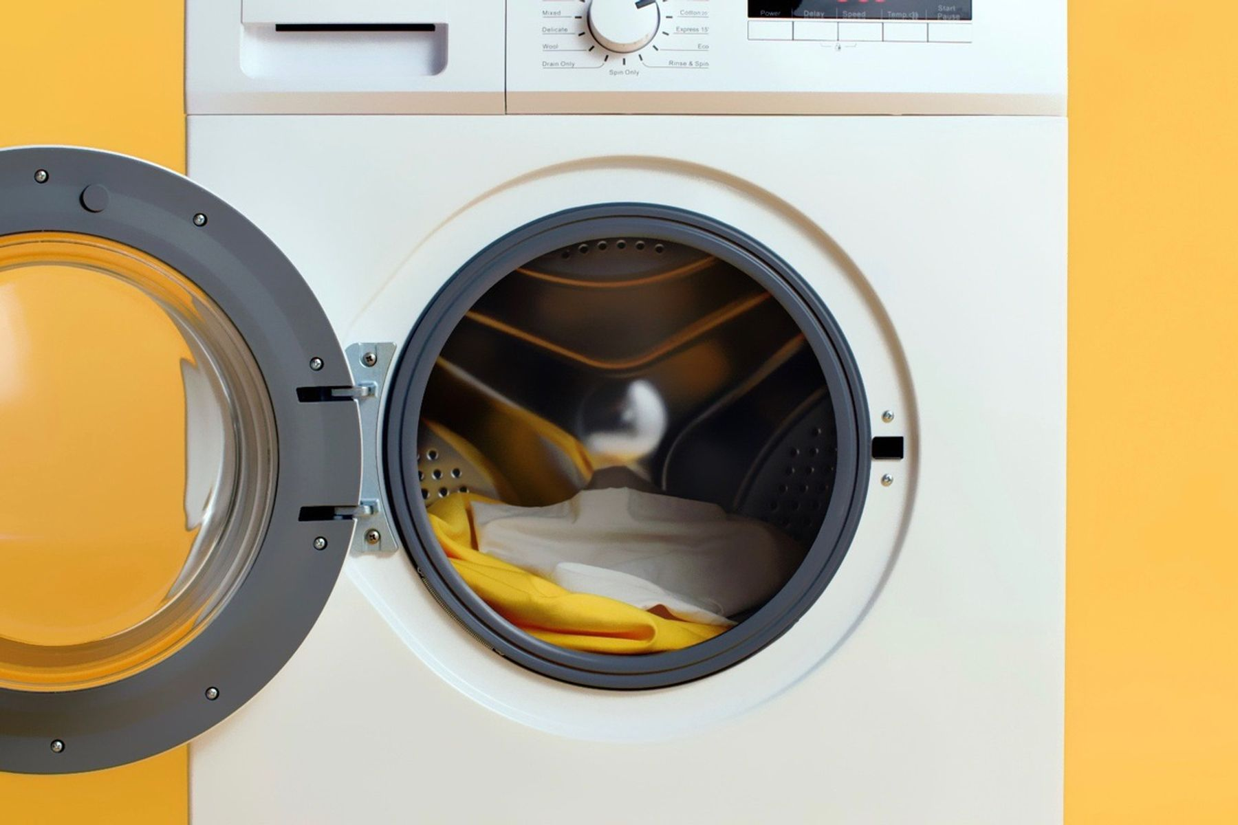 Step 4: Washing machine with open door