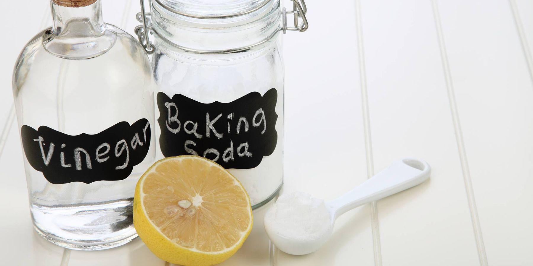 Thông cống nghẹt giá rẻ với baking soda và giấm giúp thông tắc cống hiệu quả