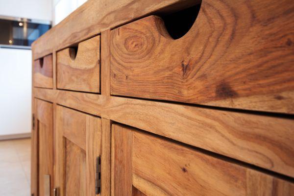 Cómo revivir muebles de algarrobo correctamente