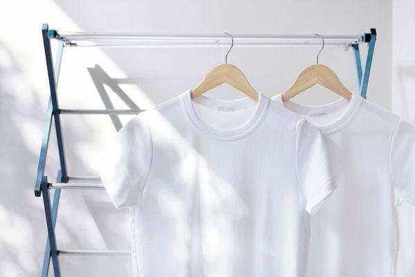 make white clothes white again