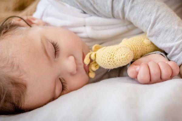 Quấn khăn cho trẻ sơ sinh