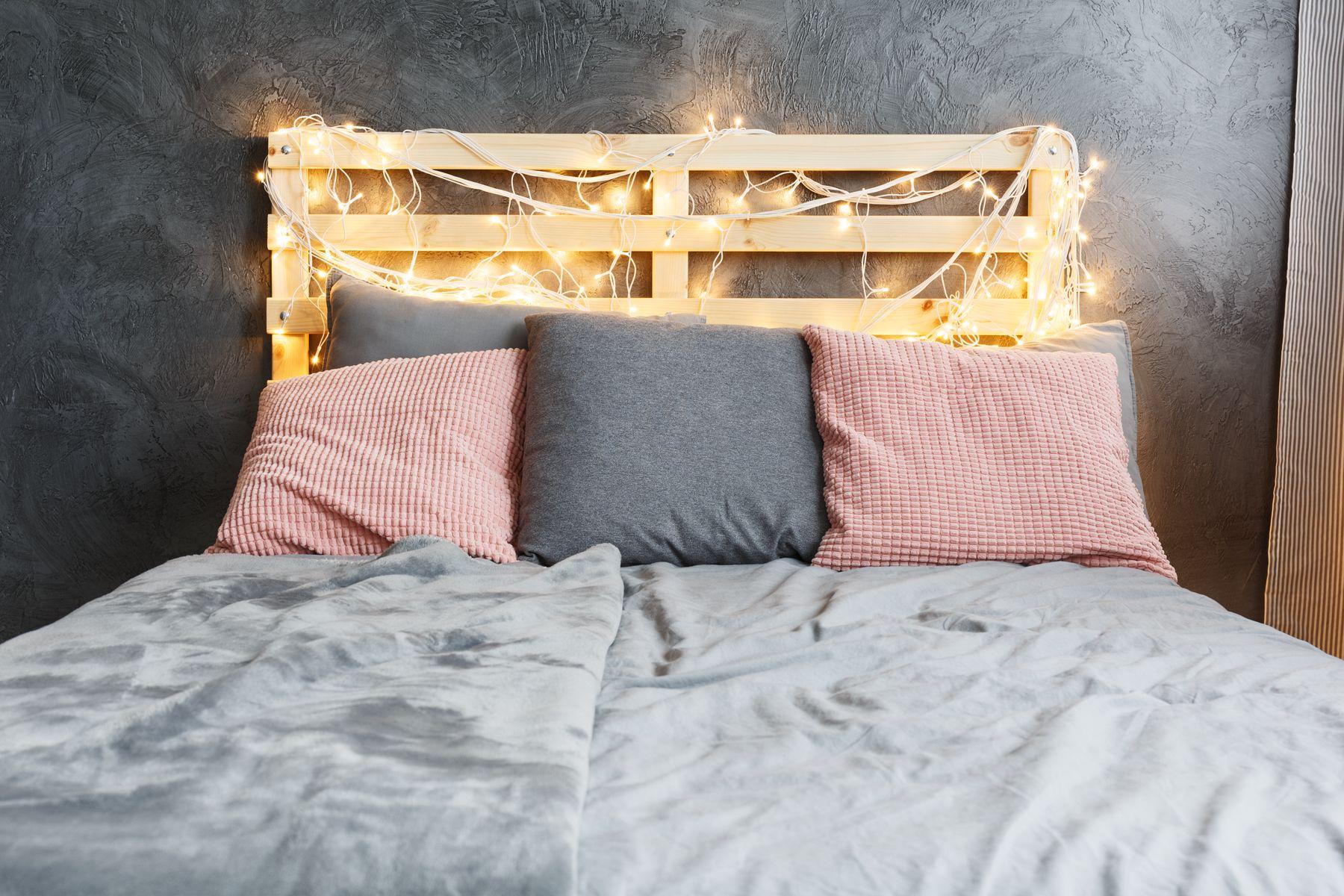 Cabeceira da cama de paletes