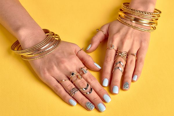 How To Clean & Polish Gold Jewellery At Home