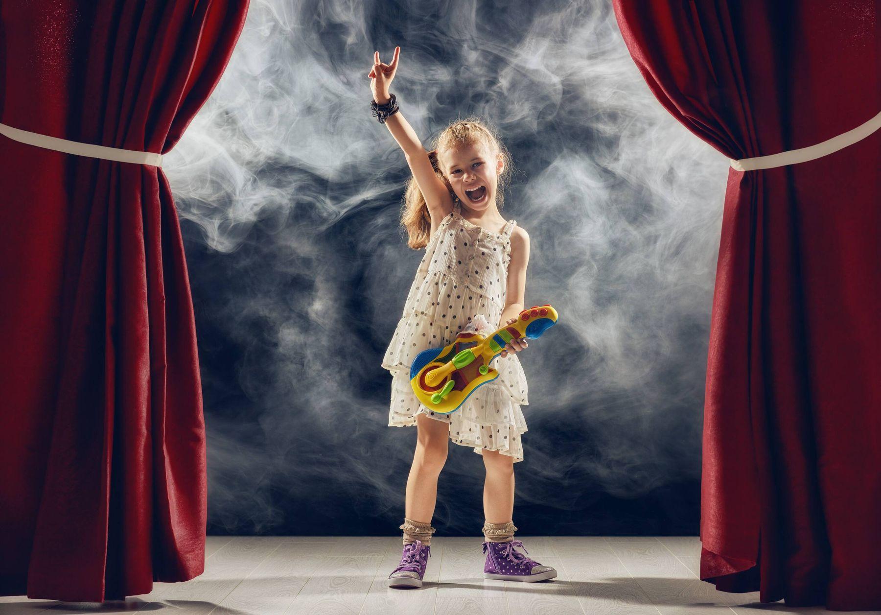 Giặt Rèm cửa vải nhung sân khấu
