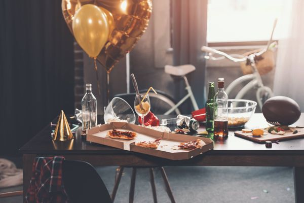 How to Clean Up After a Party | Cleanipedia