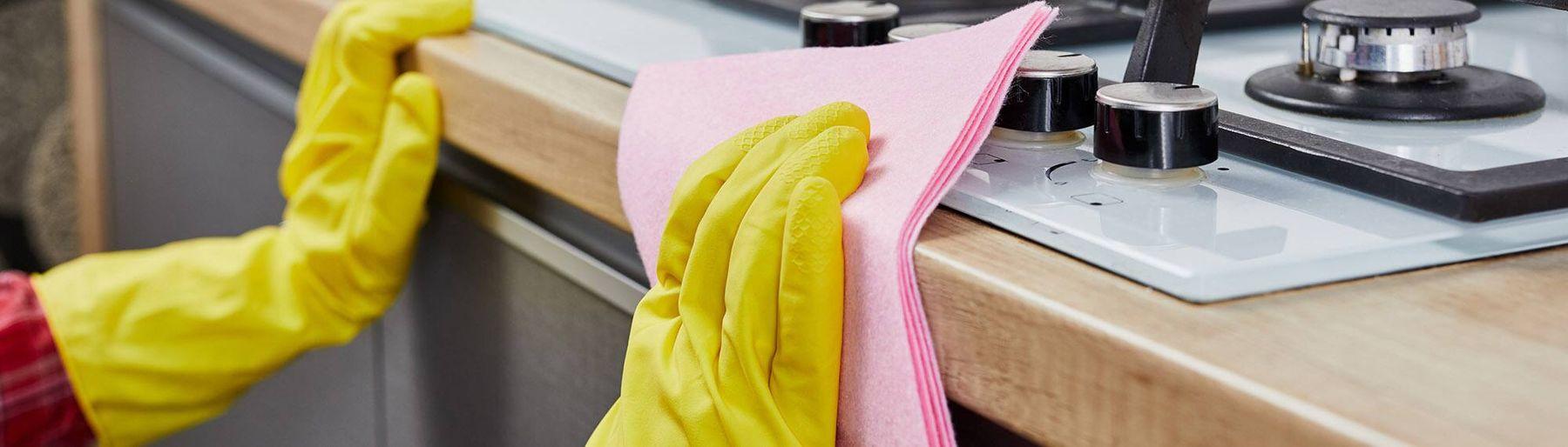 dọn nhà bếp khi trang trí phòng khách ngày tết