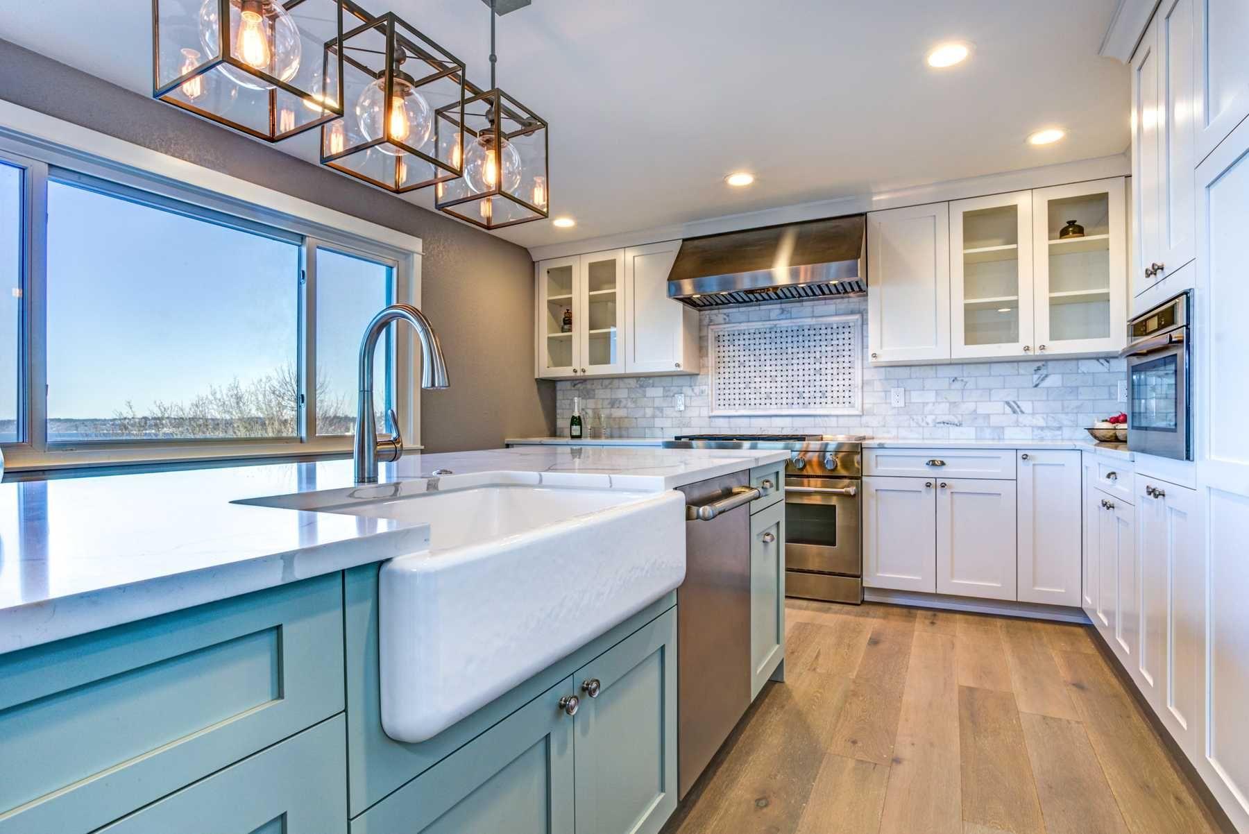 trang trí nhà bếp với đèn trang trí nhà bếp