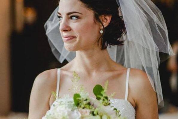 Mách nhỏ các cô dâu xu hướng áo dài cưới 2020 và cách bảo quản