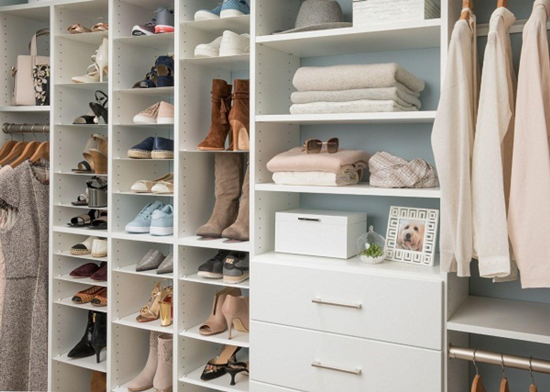 Tích hợp để giầy dép trong tủ quần áo