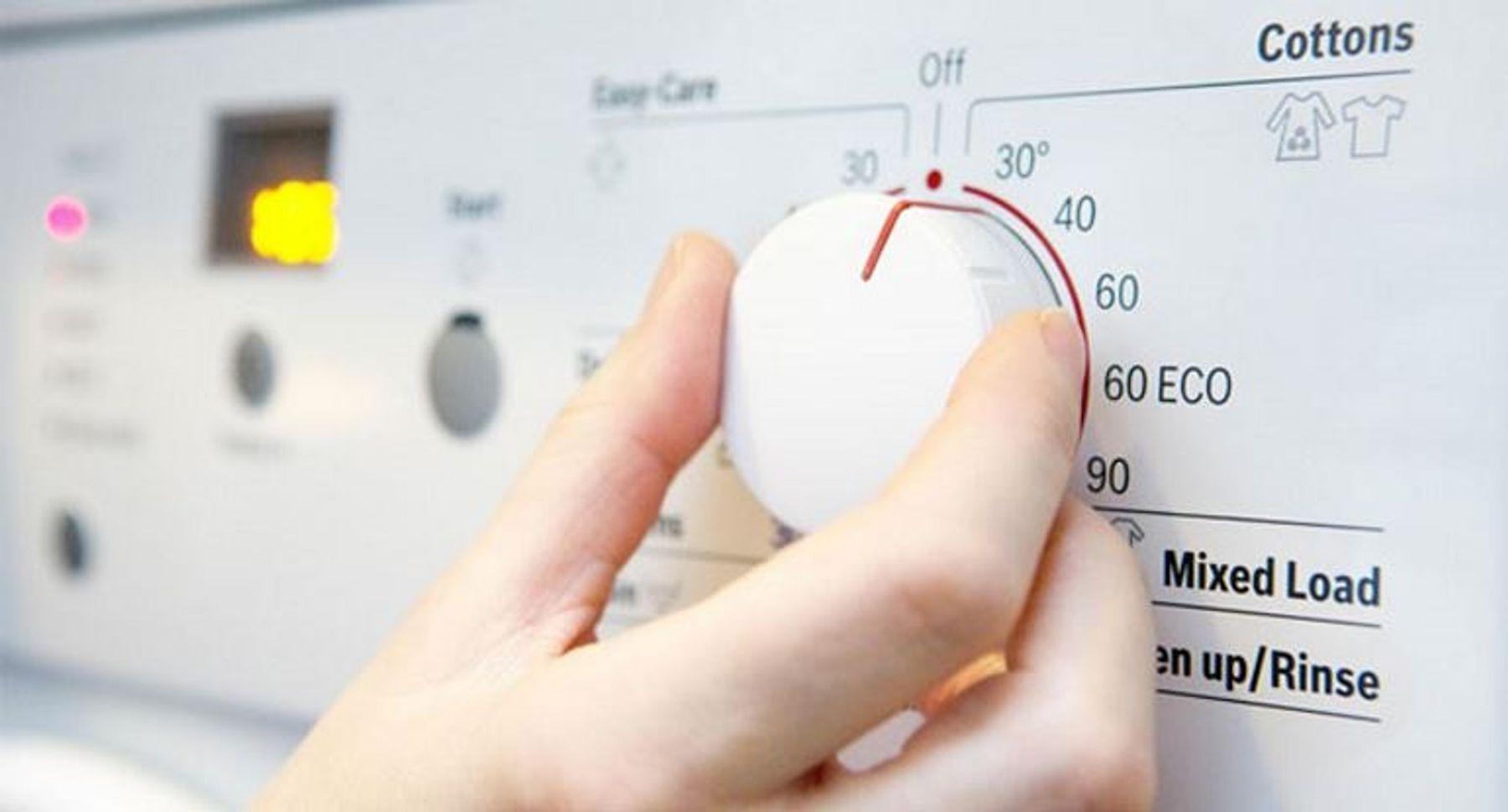 Chuyển sang giặt máy bằng nước lạnh 3 lần/tuần
