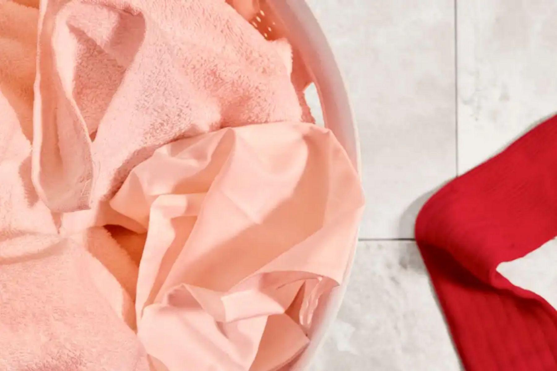 Cómo teñir ropa en casa: consejos, trucos y pasos