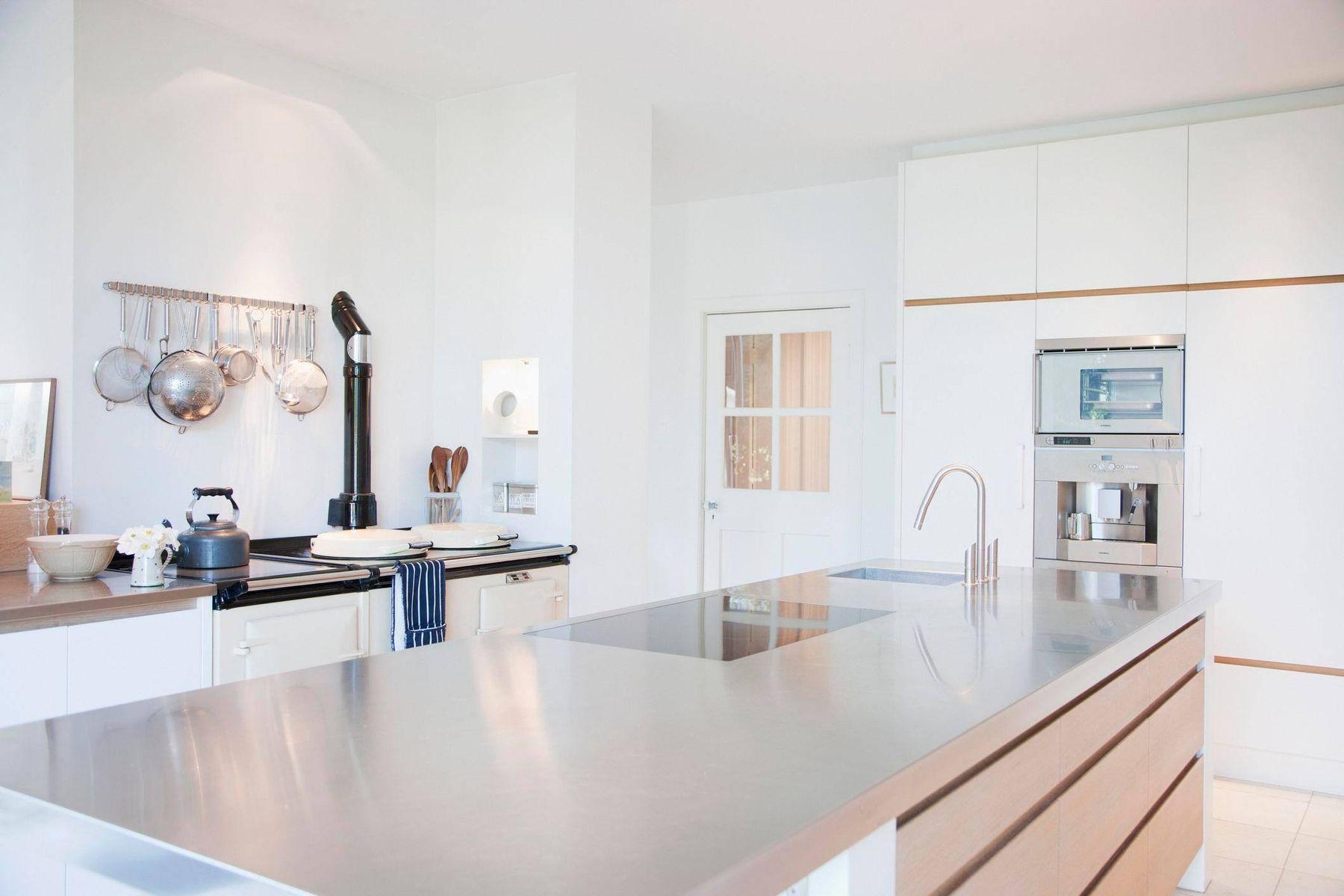 Cách trang trí nhà bếp hiện đại