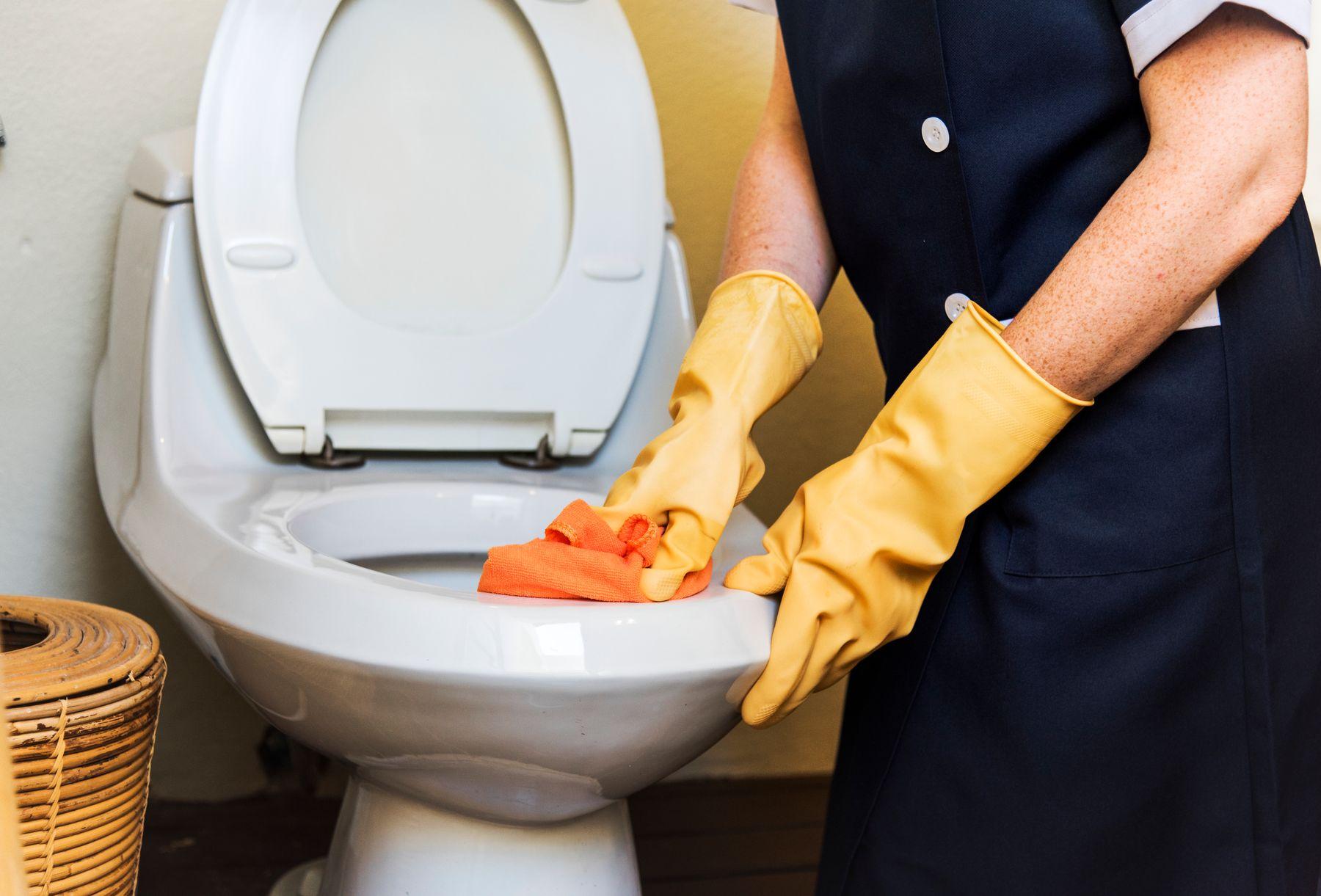 Sai lầm khi dọn dẹp nhà vệ sinh
