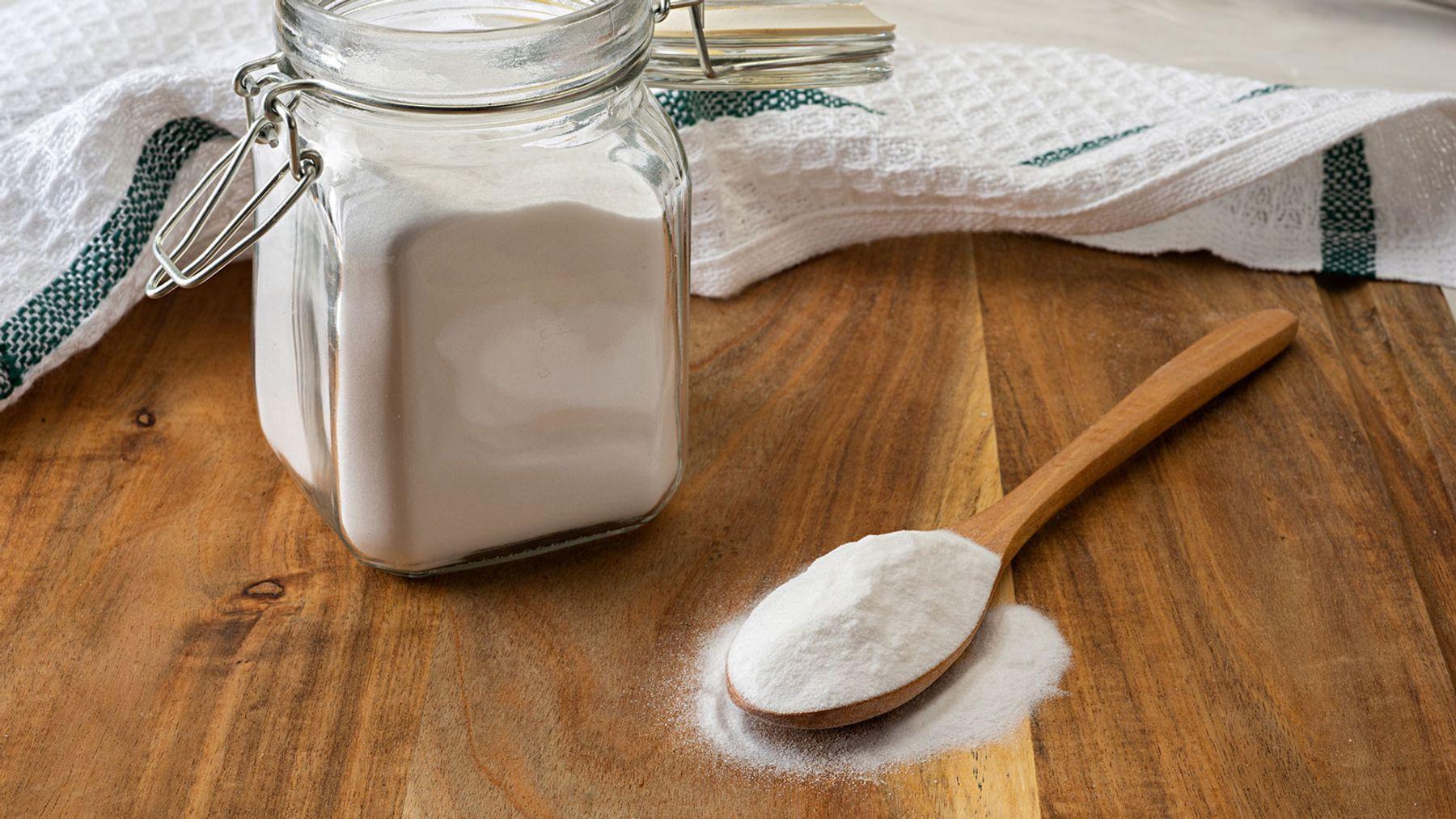 Dùng baking soda để giặt áo trắng