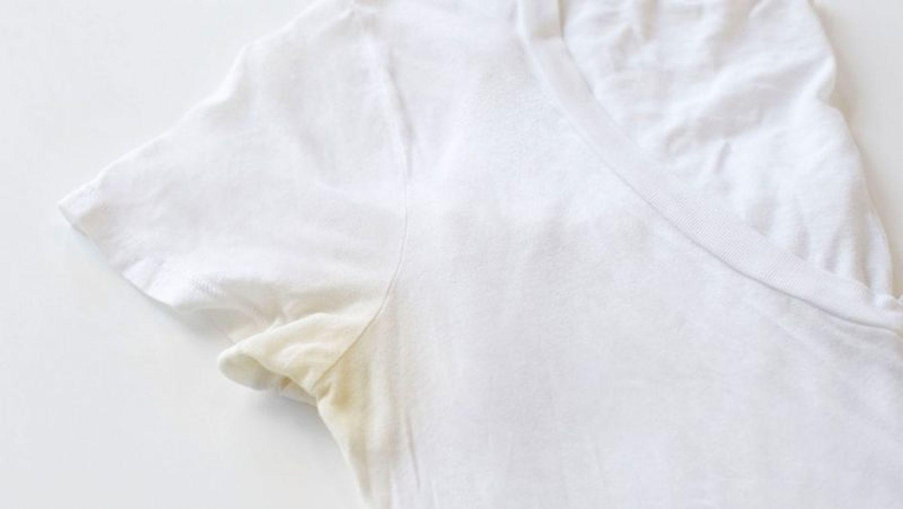Step 8: Cách tẩy vết ố vàng trên áo màu trắng do mồ hôi lâu ngày