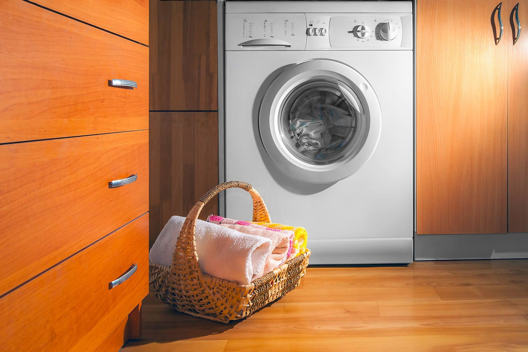 How to Clean Your Front Loading Washing Machine Inside-Out | Cleanipedia