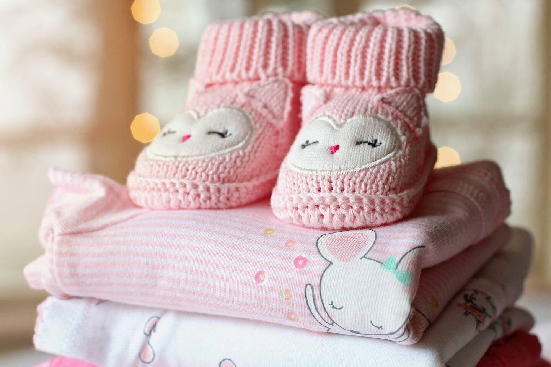 Quần áo trẻ sơ sinh nên để bao lâu giặt một lần?