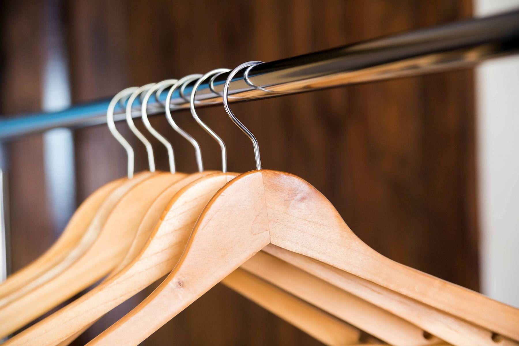 wooden-hangers