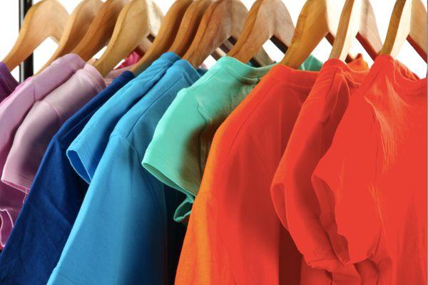 Cách Tẩy Quần Áo Màu Bị Lem Màu Khác bằng các nguyên liệu đơn giản