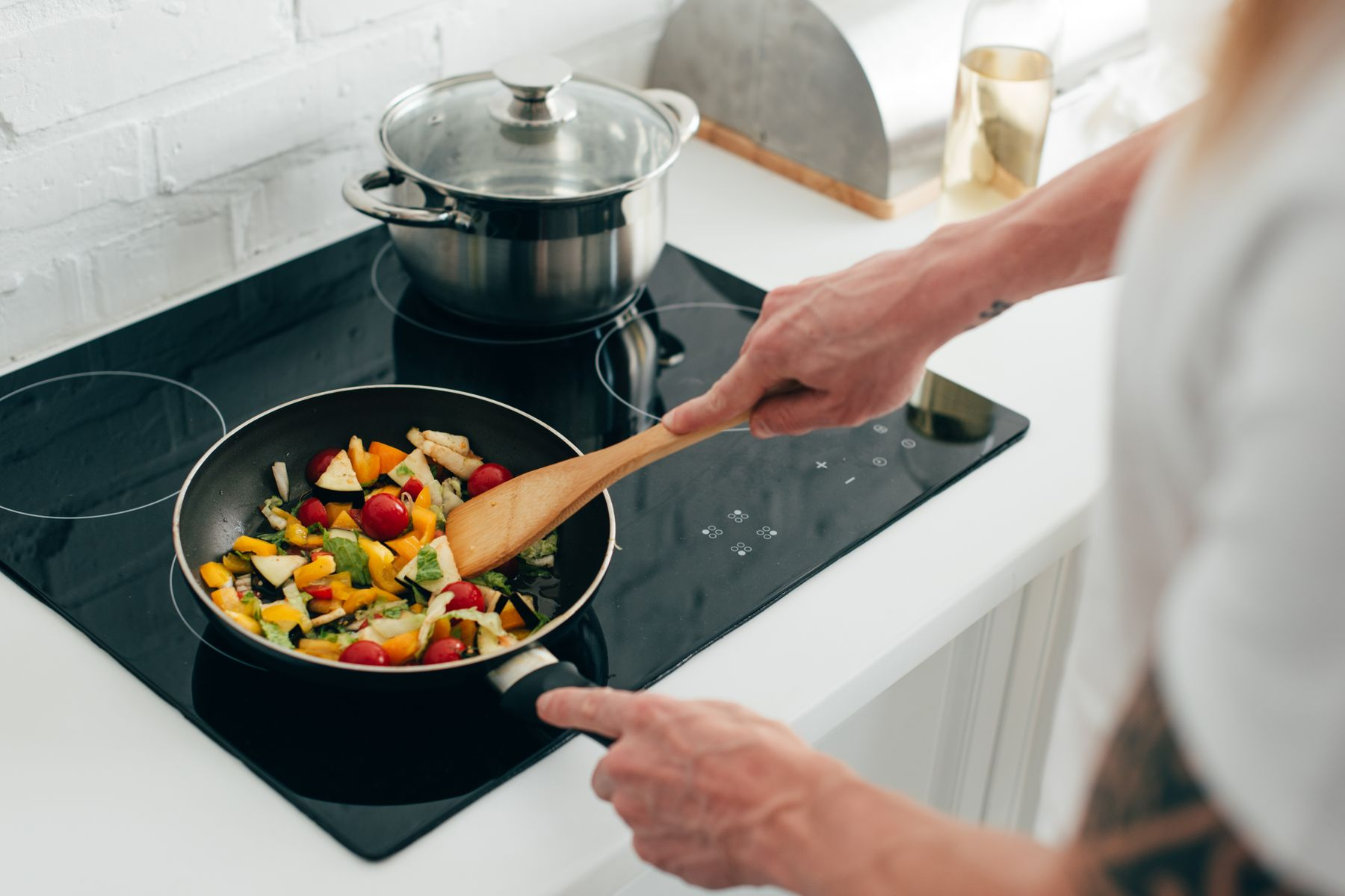 How to Get Your Electric Stove Top Clean and Tidy shutterstock 1090304810